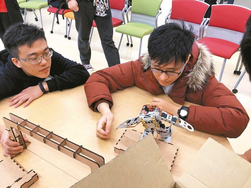 赴日合製機器人,台科大生奪冠-VR實境