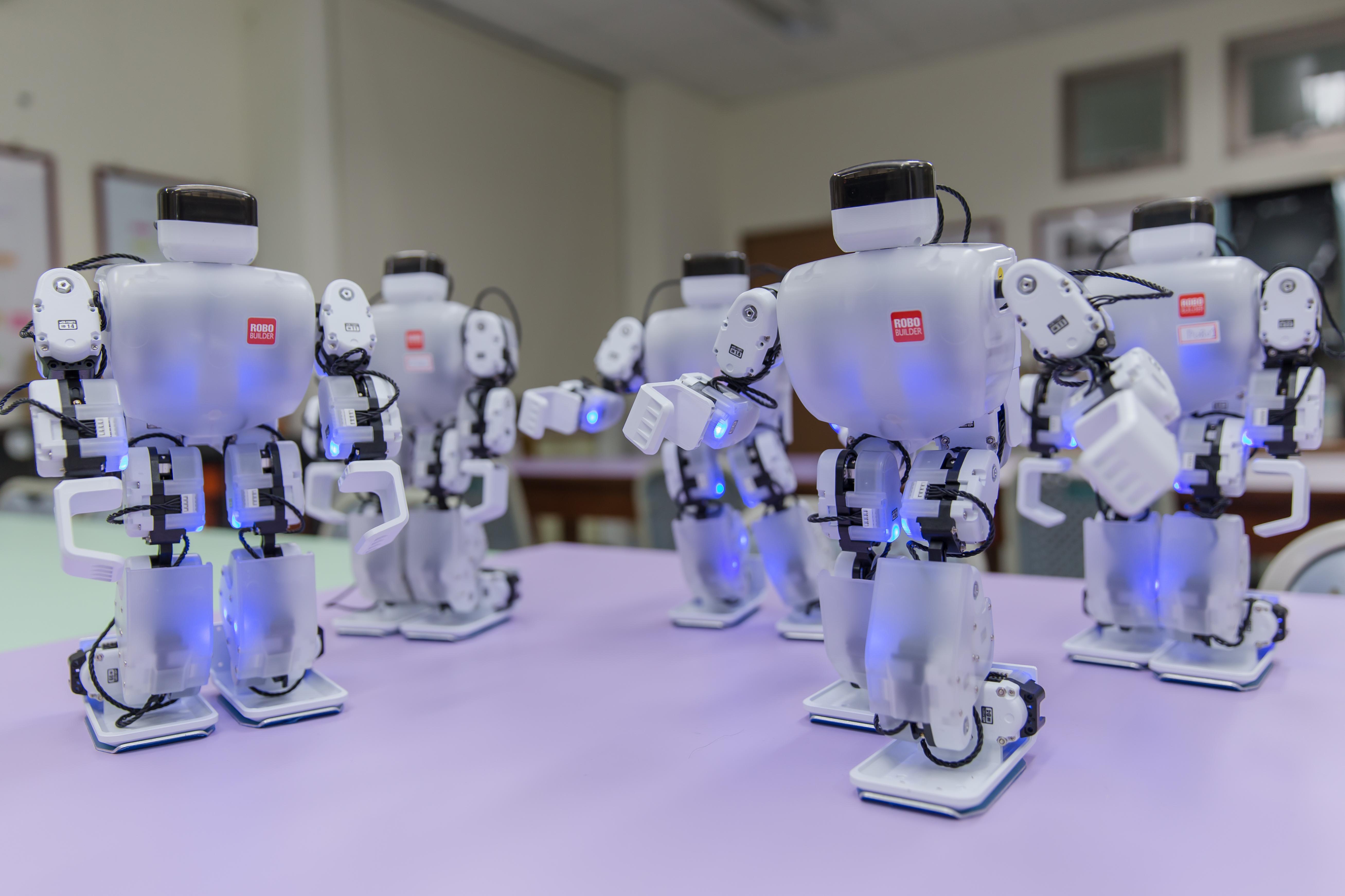 深耕AI教育 聖約翰科大機器人、智慧製造機械手臂正夯!-校園大小事