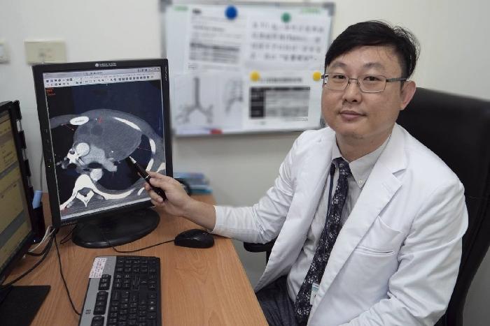 罕見!男大生胸痛無法起床,竟是前縱膈生殖細胞瘤壓迫心臟-心臟
