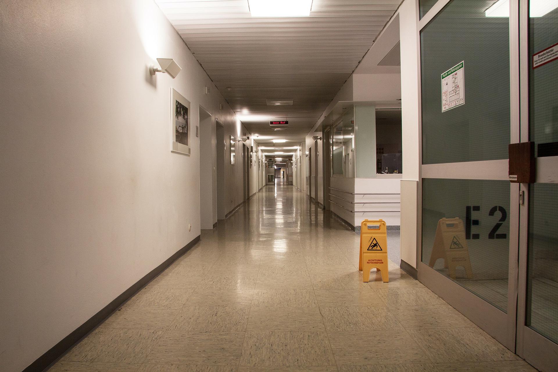 癌症病人離世,問學姐為何半夜還在消毒?護理師見這幕嚇壞:馬上離職-工作甘苦談