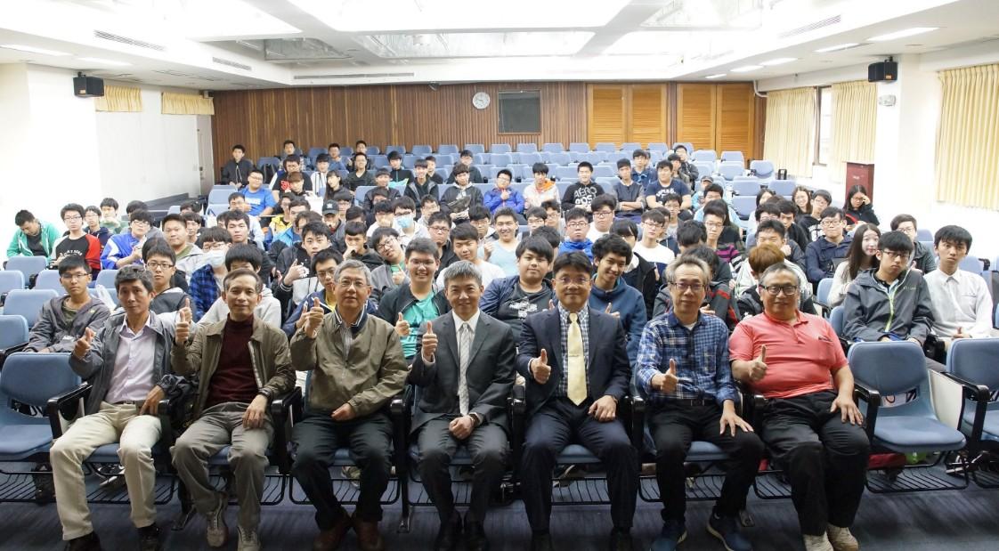 華碩全球副總裁聖約翰科大開講 與學弟妹分享如何與成功有約-校園大小事