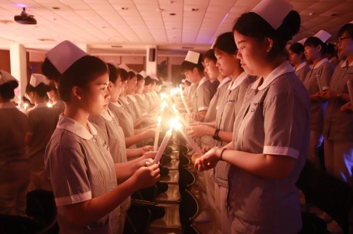 中華醫大護理系加冠典禮291位護生宣誓效法南丁格爾精神-中華醫事科技大學
