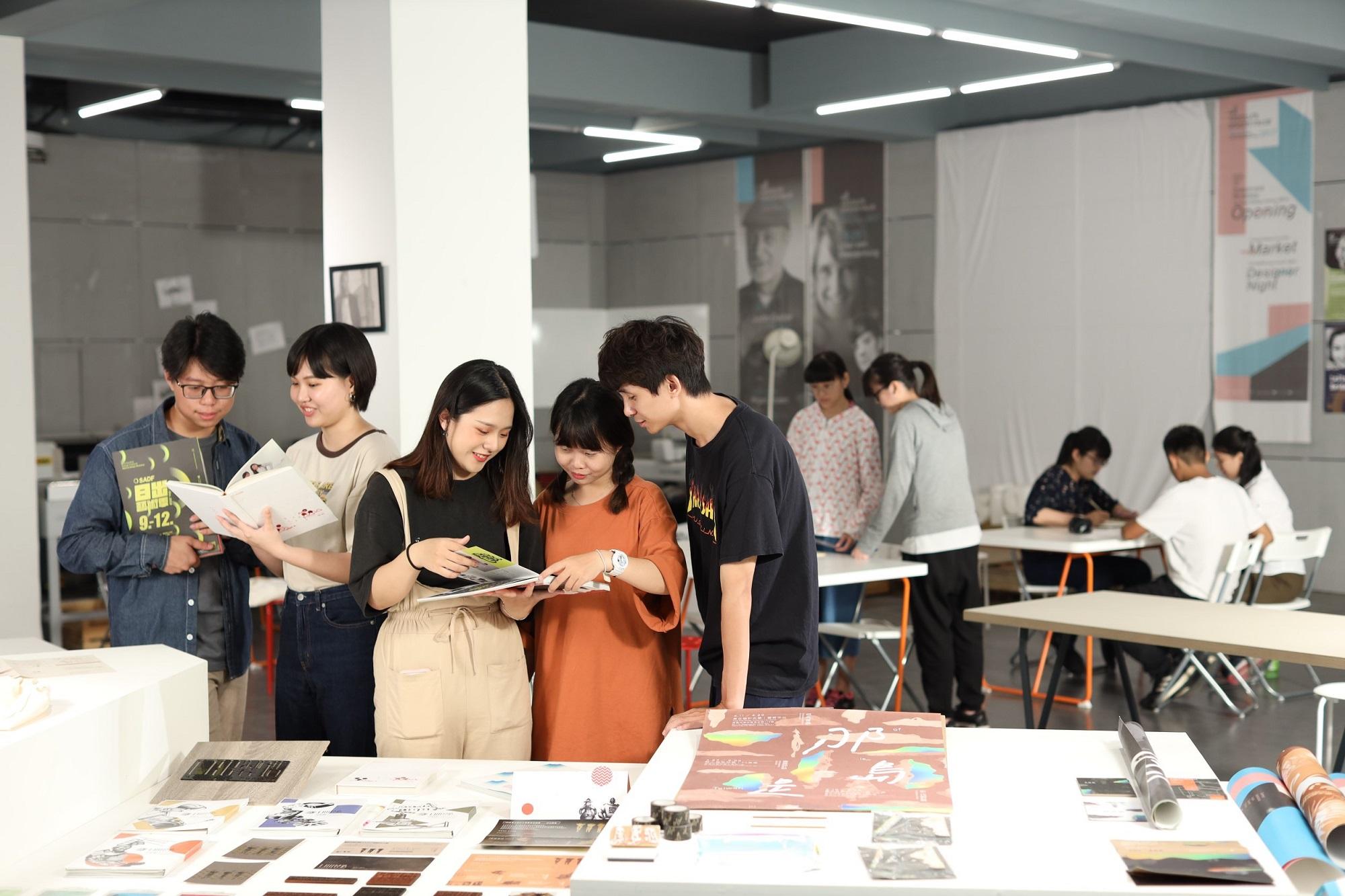 東方設計大學/工坊式教學    業界「即戰力」-升大學指南