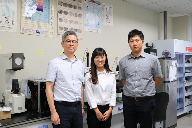 成大洪飛義教授團隊 開發X光偵測人體可分解塑料醫材-X光偵測
