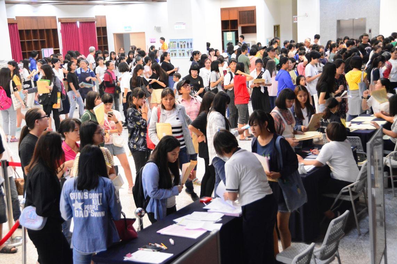 慈濟科技大學108學年度新生註冊 註冊率近九成-校園大小事