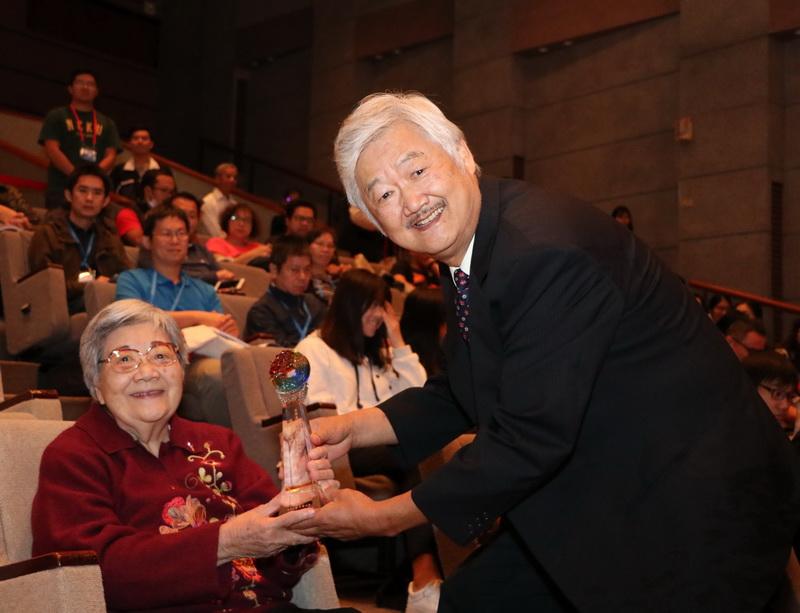 成大高家俊教授榮獲台灣海洋工程學會「海洋工程技術獎」-近海水文中心