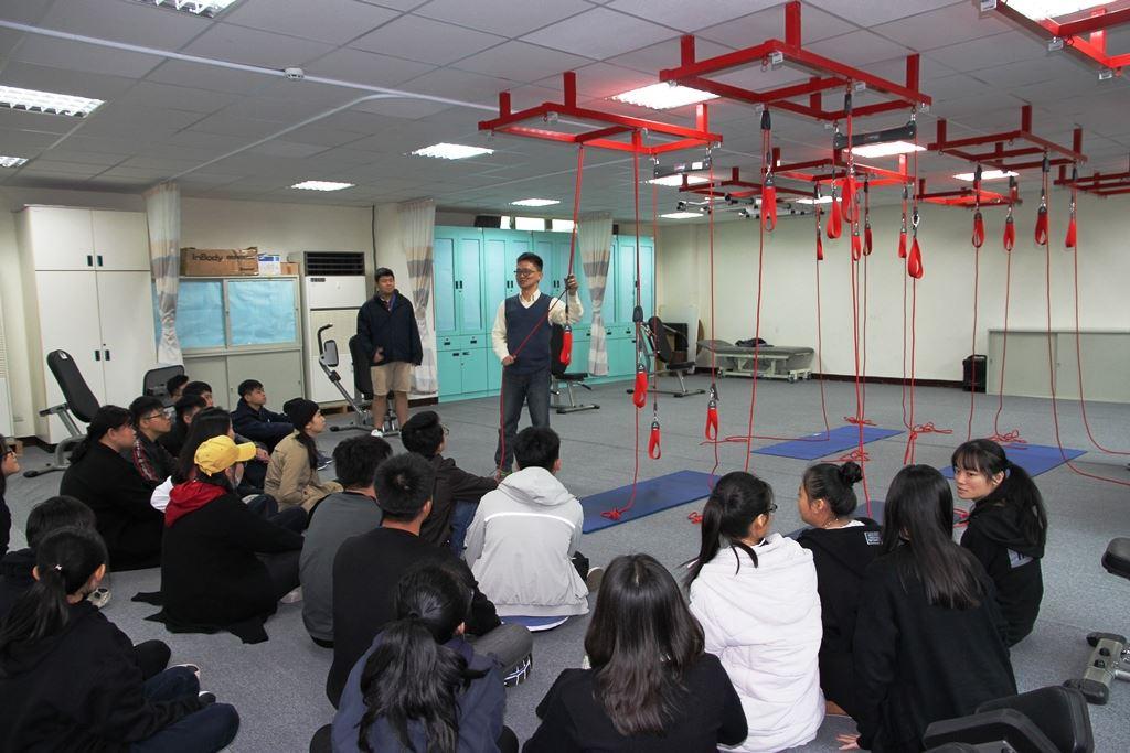 砂勞越師生團26人至元培校園一日醫護體驗師生都感到很好的體驗-一日醫護體驗