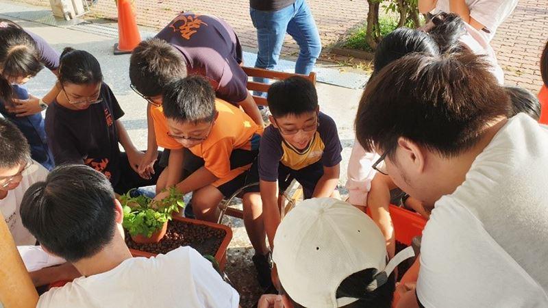 透過魚菜共生實踐三股偏鄉教育的資源整合-大學社會責任USR實踐計畫