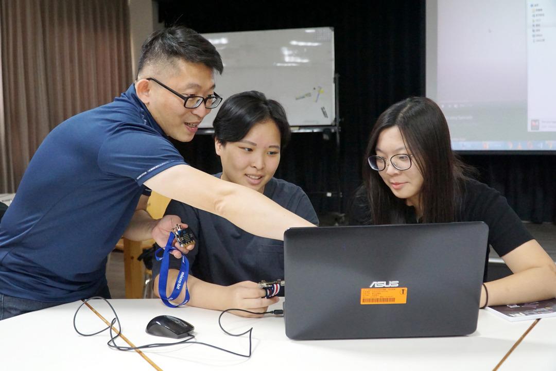 英語教學結合科技  大葉大學英語系師生到華南國小辦營隊-108新課綱