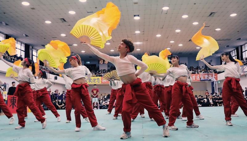 東南科大表藝系啦啦隊 創新突破奪下冠軍等三大獎-東南科技大學