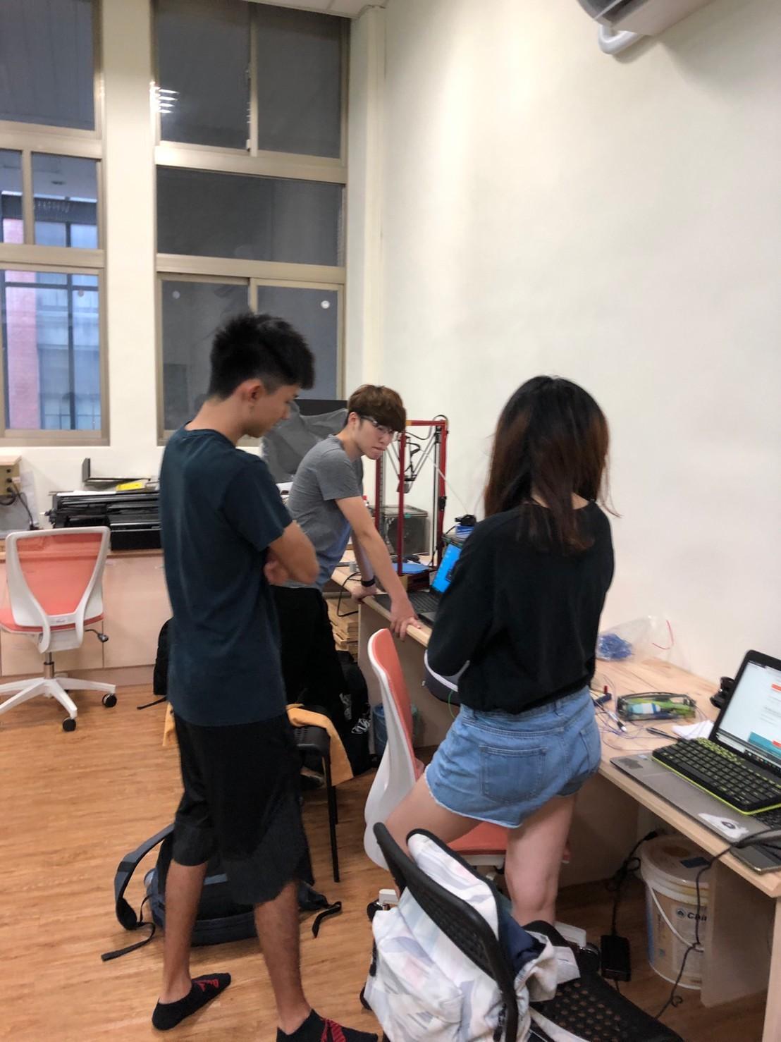 宜大電子工程學系焦柏琳所屬團隊榮獲「DIGI+Talent 數位新星大賞」桂冠-工業局