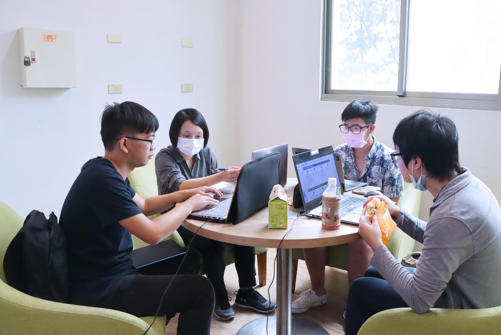 中信金融管理學院新創基地策展工作坊 打造基地歸屬感-AI