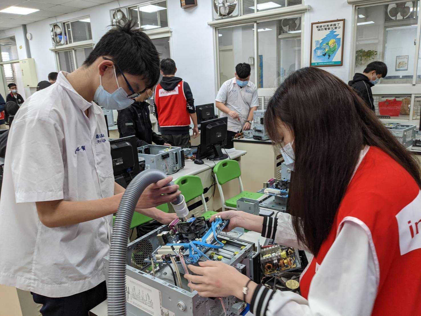 廢品再造做公益 聖約翰科大再生電器服務隊深耕高中職-公益