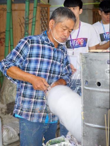 大葉大學人資公關系棉花糖節  棉花糖阿伯九年不缺席-人資公關系