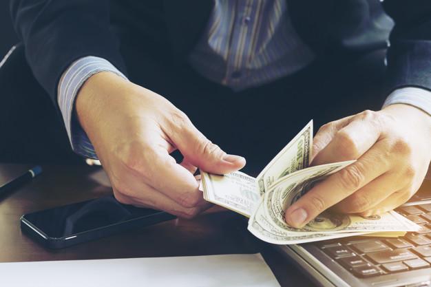 雇主於年度終結時,發給勞工特別休假未休之工資,其性質為薪資所得或免視為薪資所得?|簡文成專欄-HR