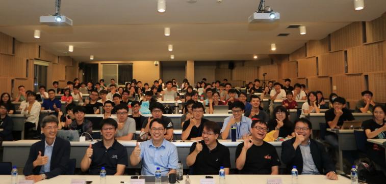 成大暑期Coding-X密集課程 培育跨域人才發揮電腦科學價值-成大