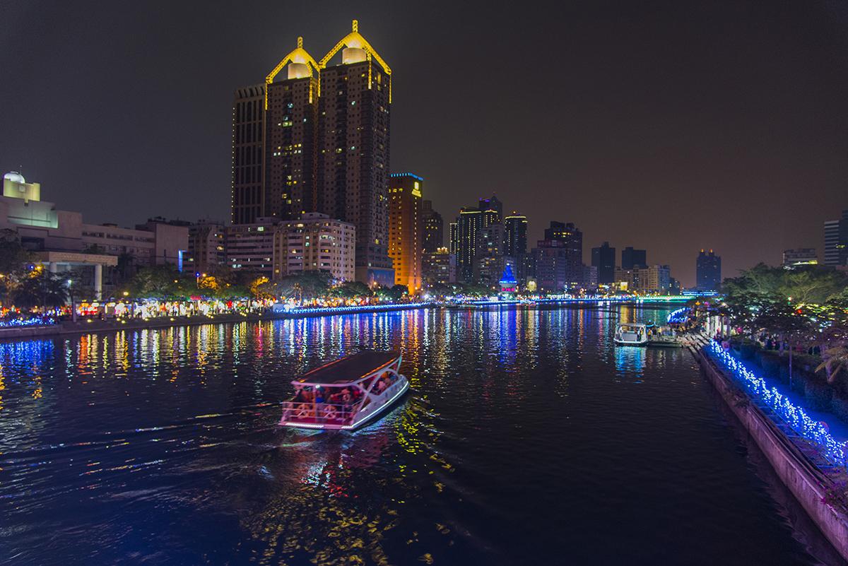 鹽埕景點-愛之船