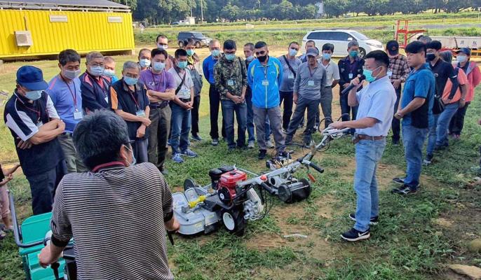 國立屏東科技大學農機修護與安全操作訓練班輔導農民提升田間管理效率-生物機電工程系