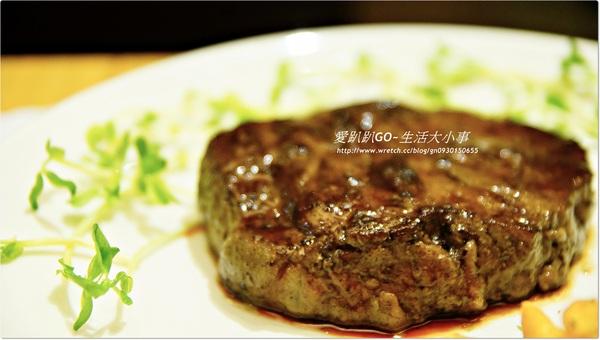 【食記/新北市】肉質鮮美的12OZ厚切牛排♪♪帕瑪司牛排♪♪